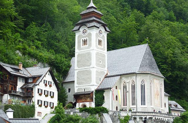 maria-mennybemenetele-templom